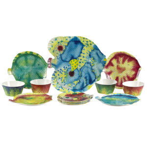 Swimmingly Dinnerware-Set of 4 with Platter in Matching Colors